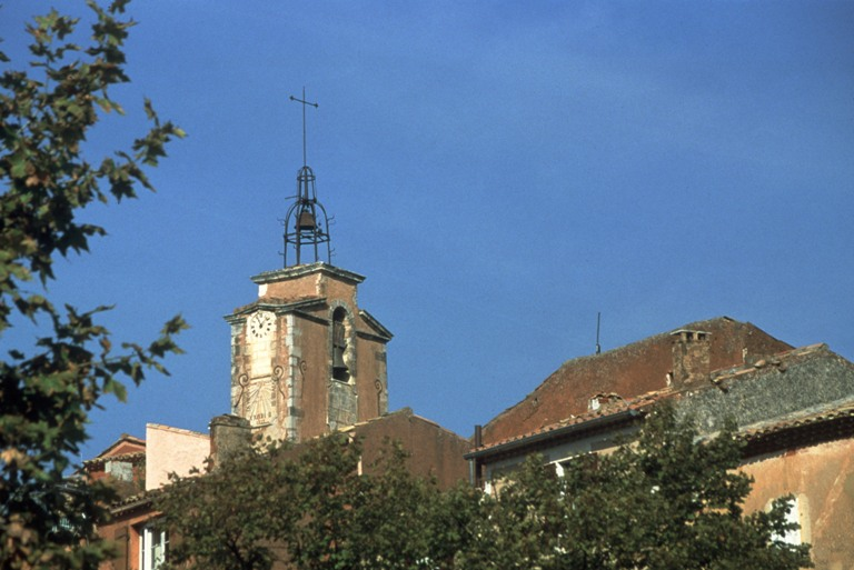 Campanile in ocra della chiesa di Roussillon. Foto Joel Tribhout (Archivio CDT Vaucluse)