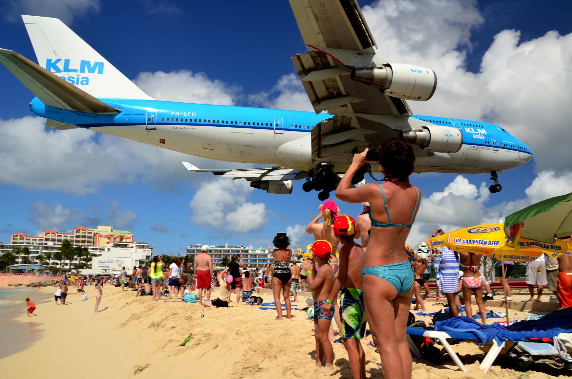 Saint Barthelemy, in spiaggia mentre atterra l'aereo