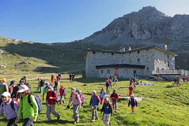 Cucina tradizionale di montagna ed escursioni al rifugio Arp