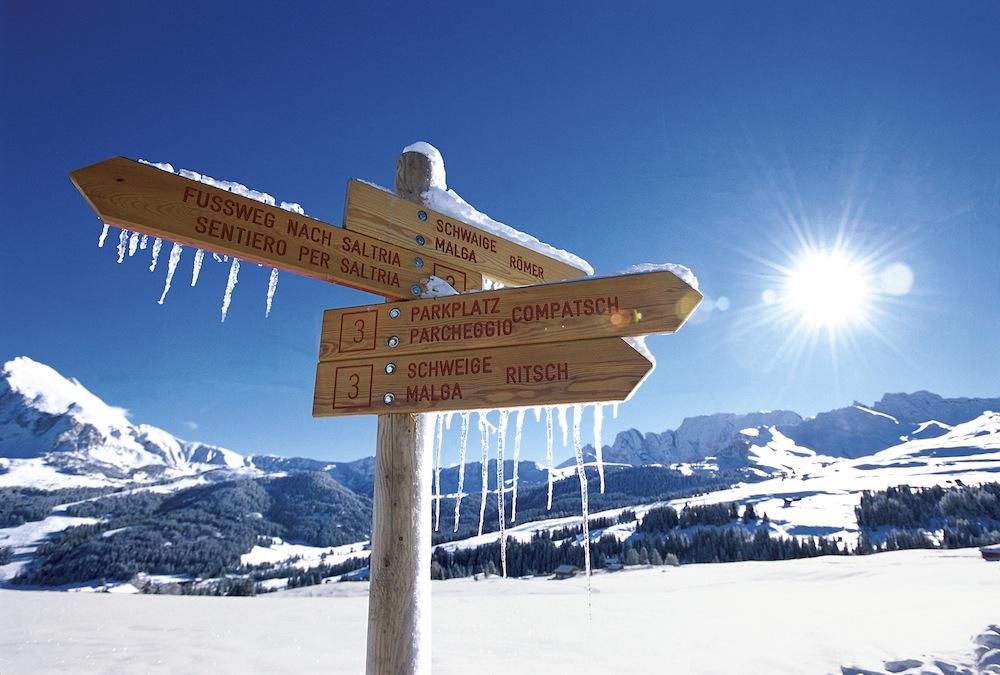 L'Alpe di Siusi è l'altopiano più grande d'Europa, paradiso per gli escursionisti sia in estate che in inverno.