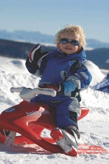 La gioia di un bimbo sulla neve (foto di FRANZ GERDL_Kaernten Werbung_Bob
