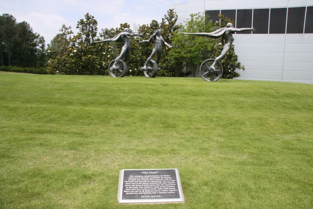 Barber Museum, le statue della velocità