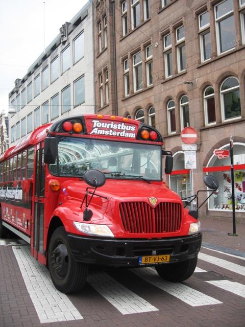 Amsterdam, il classico bus per turisti 216
