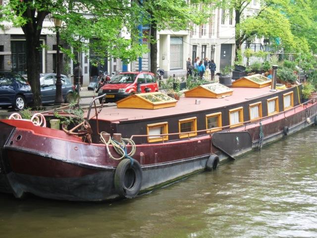 Amsterdam, una house boat sul canale 254
