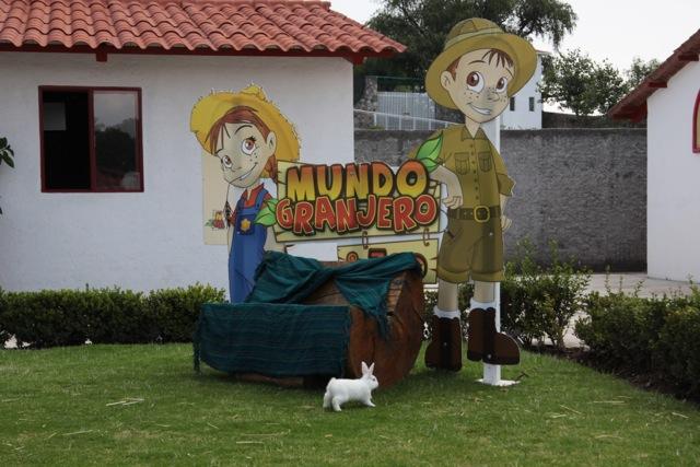 Contepec, i simpatici personaggi di Mundo Granjero