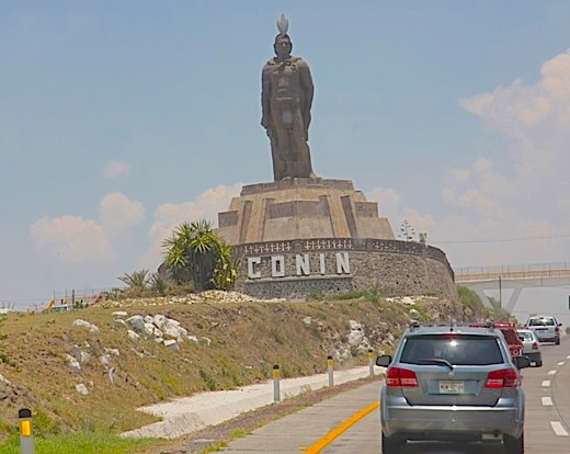 La statua dedicata al 'padre' degli indios Conin