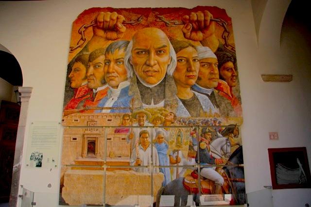Murales dedicato alla fondazione e all'Indipendenza della Patria. Si vede Don Miguel Hidalgo