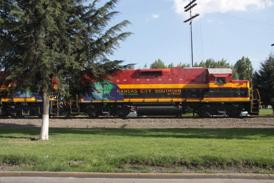 Il treno che attraversa il Paese