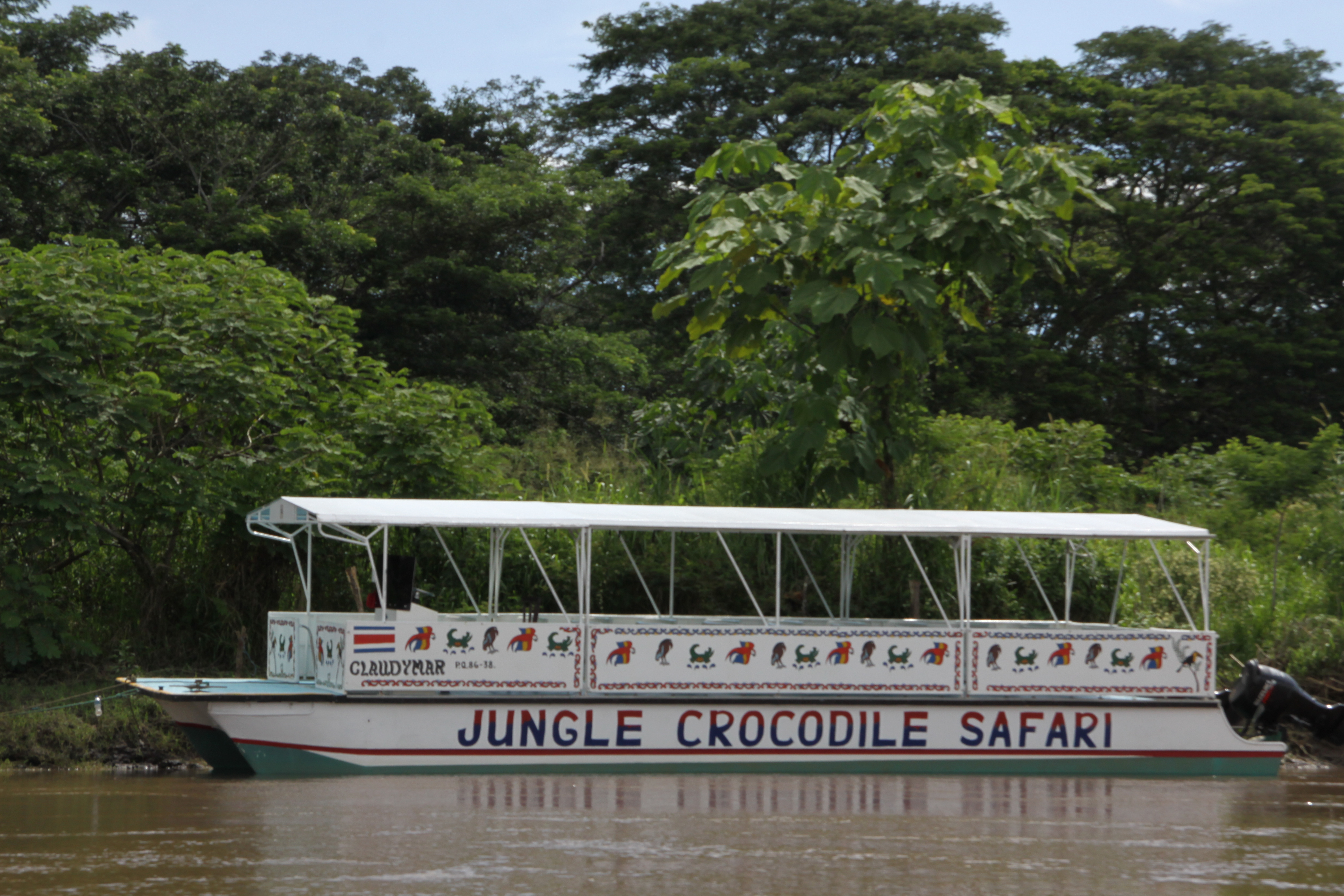 La barca Jungle Crocodile Safari
