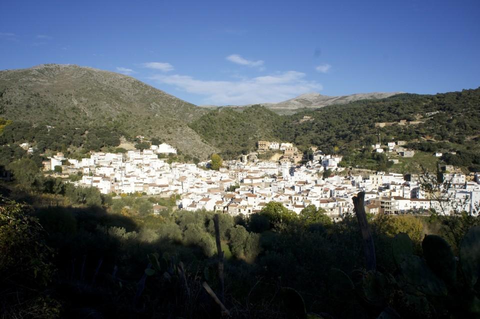 I tipici paesini bianchi della Valle del Genal