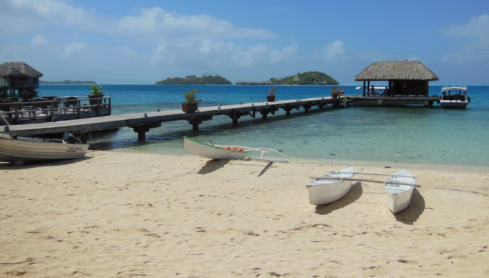 Su una delle spiagge di Bora Bora
