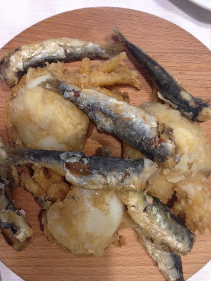 Il cicchetto di pesciolini fritti