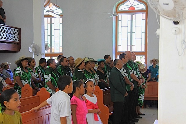 Durante la funzione religiosa cantata della domenica