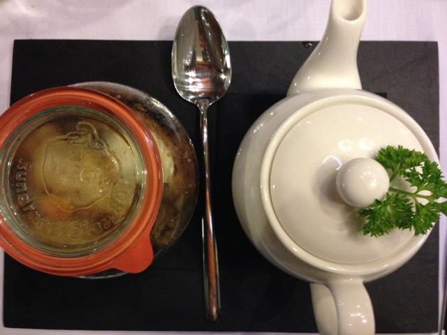 L'ottima zuppa del giorno in vaso cottura