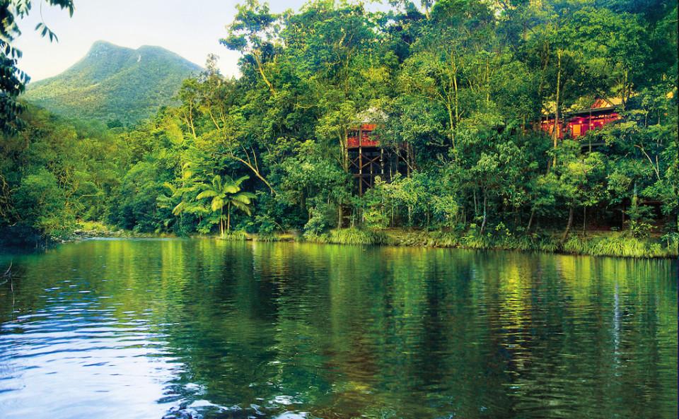 Il resort Silky Oaks sul fiume