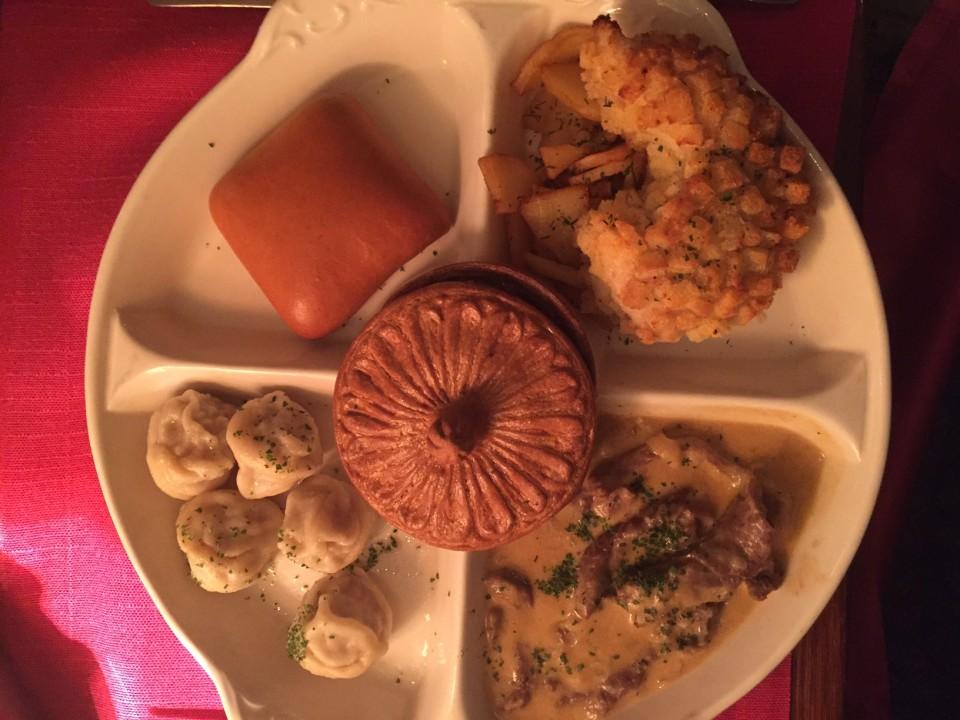 Russia Degustation, il piatto della tradizione servito dentro Puskin Restaurant
