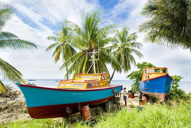 Barbados, i nativi con le loro barche