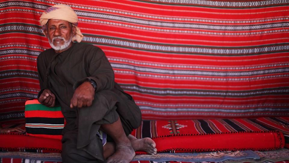 Dentro una tenda beduina