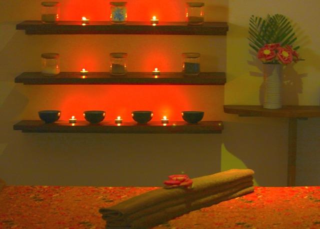 Interno di una cabina massaggio vuota