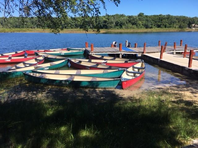 L'attracco delle canoe