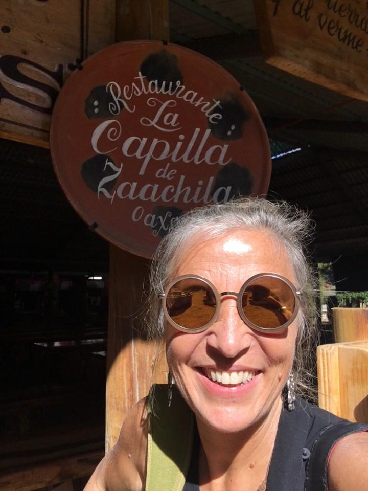 All'ingresso del ristorante La Capilla