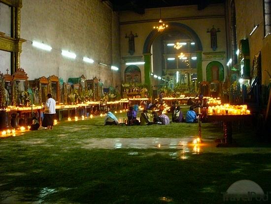 Rituali nella chiesa di San Juan de Chomula