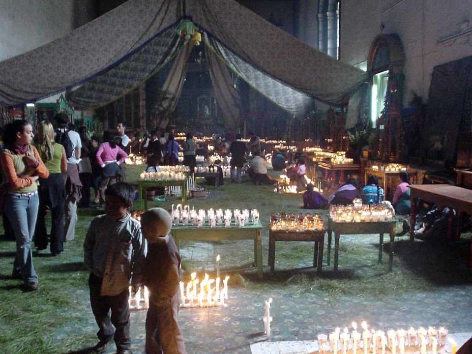 L'interno di San Juan de Chomula
