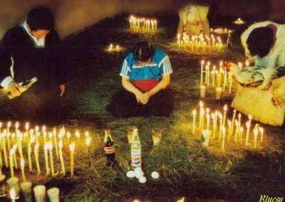 Preghiere e riti in San Juan de Chomula