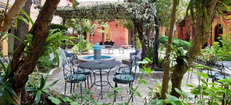 Giardino dell'Hotel Sombra de l'Agua