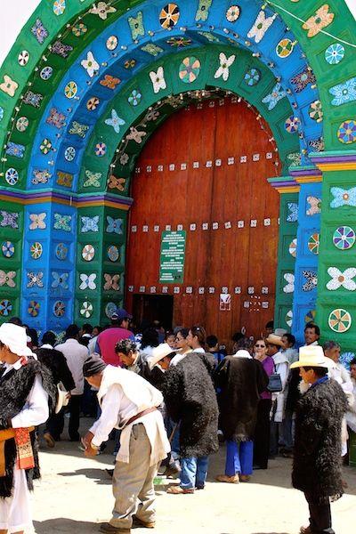 Il portone della chiesetta di San Juan de Chomula