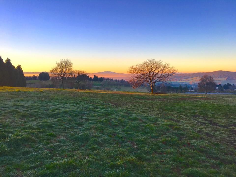 Camminando i paesaggi all'alba