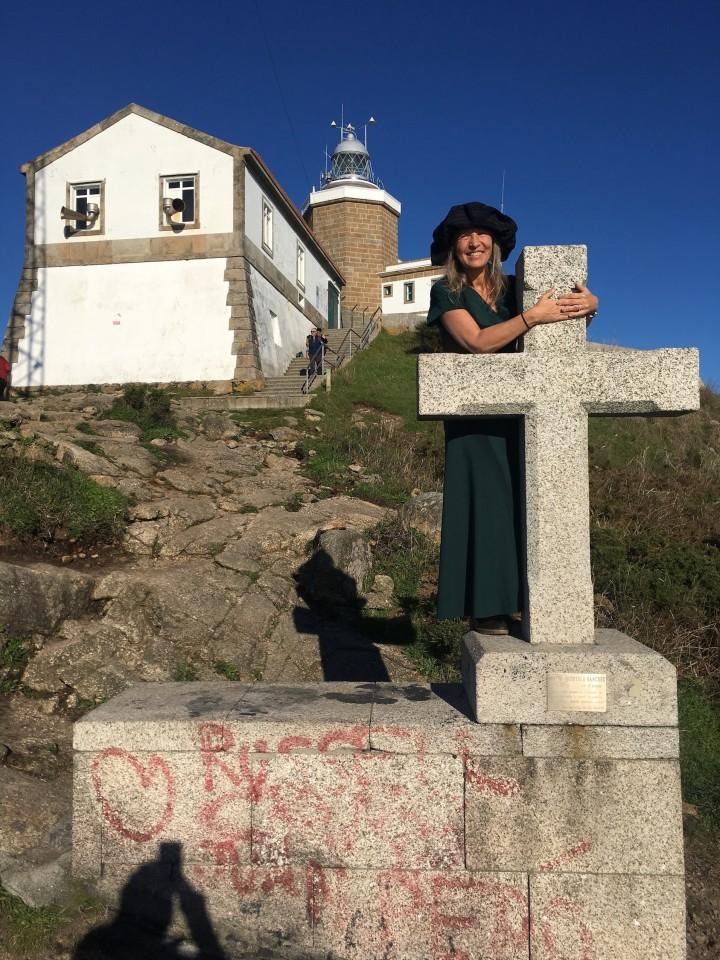 La croce del Capo di Finsterre dove lasciarsi tutto alle spalle