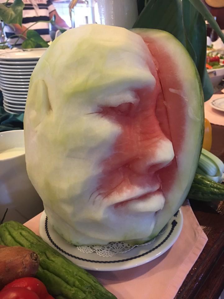 L'arte di fare figure con la frutta a bordo è una regola