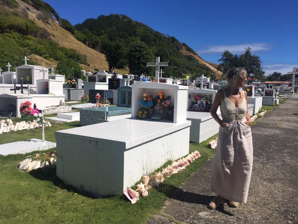 Nel cimitero delle conchiglie nell'arcipelago di Les Saintes
