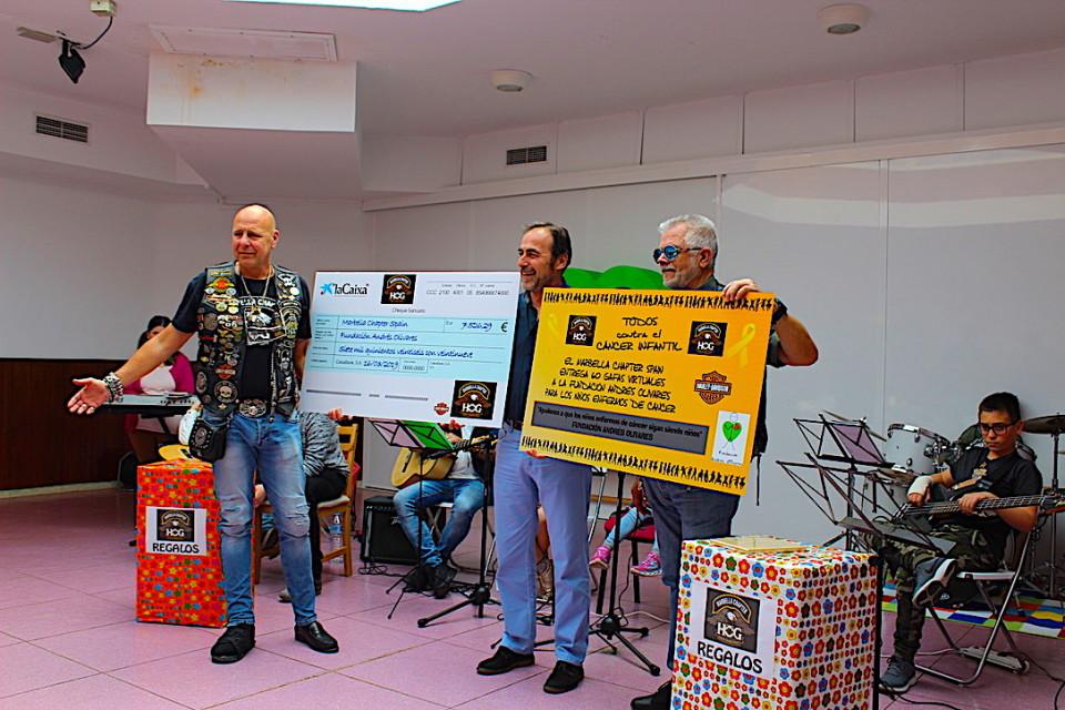 Il Marbella Chapter fa eventi benefici a favore della Fondazione Andres Olivares (nella foto il momento della consegna del denaro).