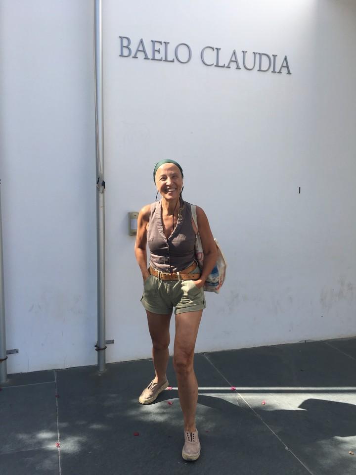 Savina Sciacqua all'ingresso di Baelo Claudia