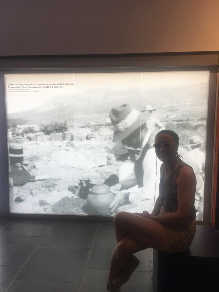 Al Museo davanti la foto degli scavi