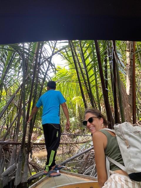 Tra le mangrovie sul fiume