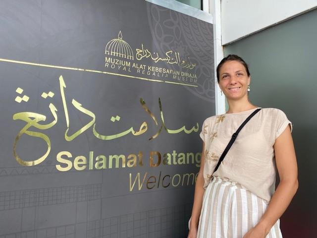 All'ingresso del Museo delle regalie per il matrimonio del Sultano