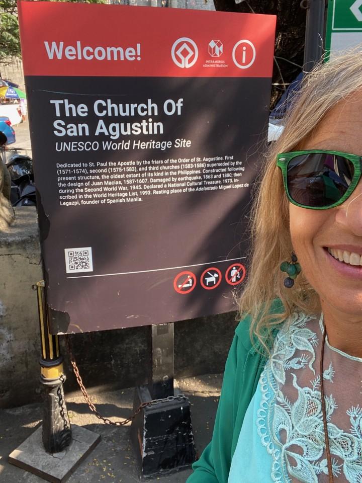 Davanti alla Chiesa di San Augustin