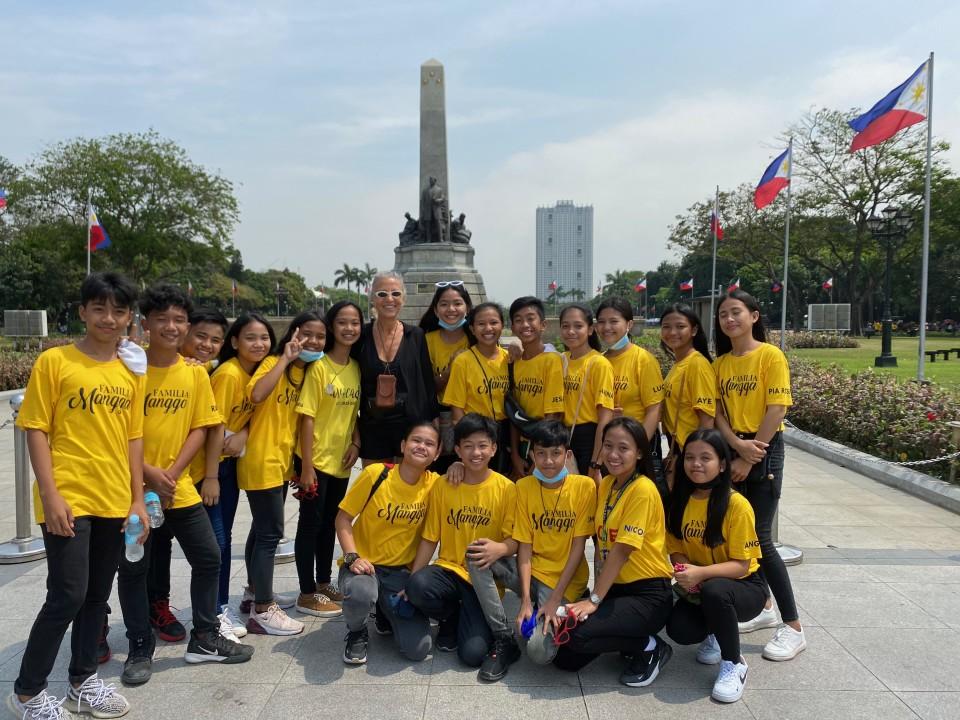 Rizal Park sullo sfondo