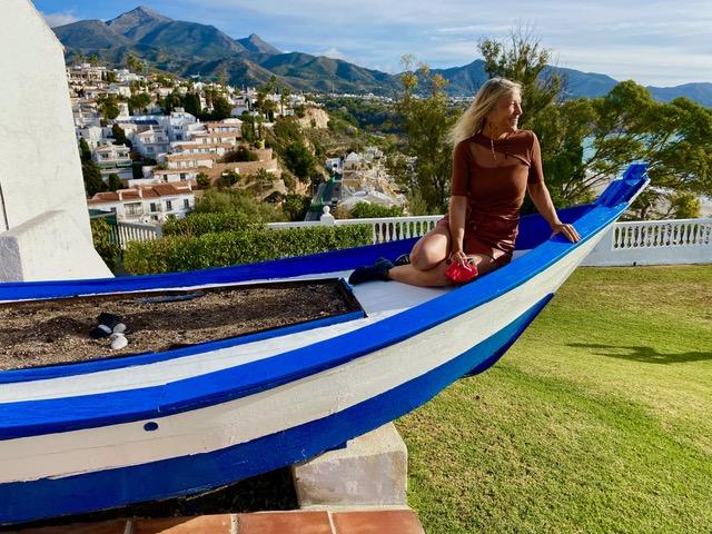 Una barca stile quella dove si cuociono gli espetos di sardine