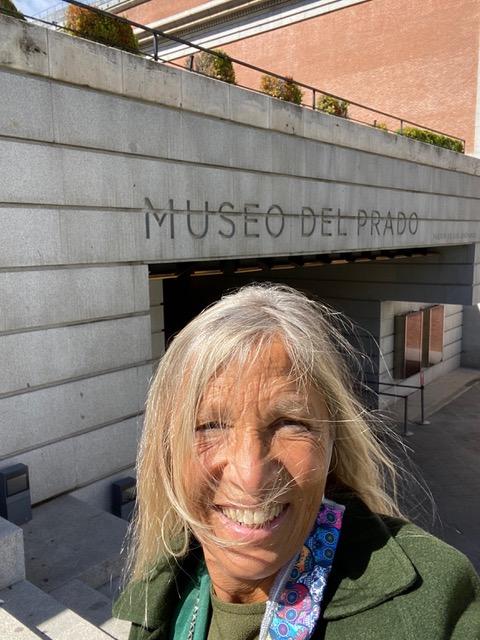 in-attesa-di-entrare-al-museo-del-prado